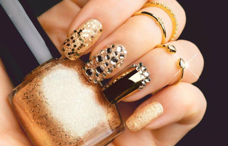 Nagellackfarbe gold